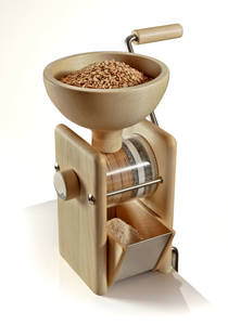 Komo manual grain mill